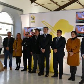 """Ciudadanos participa en la inauguración de la muestra """"25 años caminando juntos"""" organizada por la Fundación ONCE del Perro Guía"""