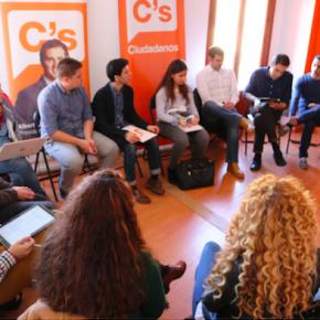 Jóvenes de Castilla-La Mancha se dan cita en la capital toledana para debatir sobre los Estatutos de Ciudadanos