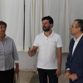 Antonio López visita el municipio de Torrico y repasa junto al alcalde, David Sánchez, los proyectos llevados a cabo en la localidad en su mandato