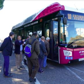 """Esteban Paños: """"Desde Cs, proponemos una contundente batería de propuestas para garantizar un buen servicio de autobús urbano en Azucaica"""""""