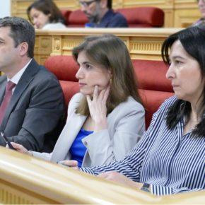 El Pleno de Toledo respalda las mociones de Cs sobre la equiparación salarial y las medidas de apoyo para personas con déficit auditivo