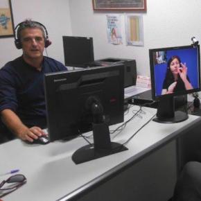 Cs propone que se implante un sistema de vídeo-interpretación en lengua de signos para mejorar la atención de los servicios municipales