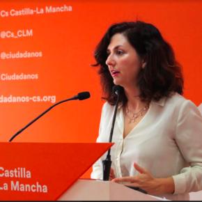 """Orlena de Miguel: """"Los alumnos castellanomanchegos llevan casi una década abandonados por la Junta de Comunidades que no da respuesta a sus necesidades educativas. En Castilla-La Mancha el bipartidismo está haciendo trizas a la educación"""""""