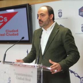 Ciudadanos Ciudad Real solicita mejoras en la accesibilidad de las paradas de autobús urbano