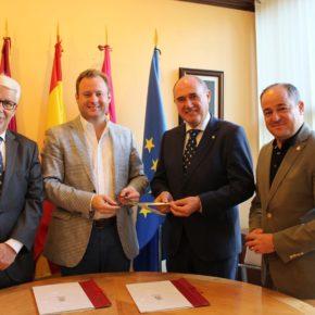 La Fundación Globalcaja financiará la compra de unas tijeras del siglo XVIII para el Museo Municipal de la Cuchillería