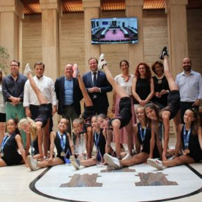 Las gimnastas del Club Palas visitan el Ayuntamiento de Albacete tras sus recientes éxitos a nivel nacional