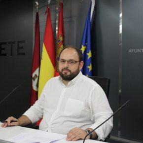 El Ayuntamiento de Albacete ha puesto en marcha una campaña de limpieza intensiva de manchas en aceras y calles peatonales
