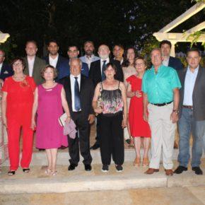 El alcalde, Vicente Casañ, tiende su mano colaboradora a los hosteleros con motivos de Santa Marta, su patrona