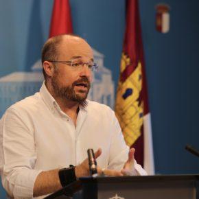 """Ruiz: """"PP y PSOE miran de nuevo al pasado, despilfarro y recortes otra vez en el panorama político"""""""