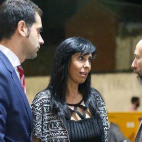 """Zapata afirma sentir """"vergüenza"""" por la actitud del PP en la moción de censura de Dosbarrios contra la hasta ahora alcaldesa de Ciudadanos"""