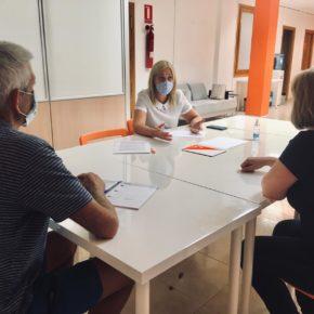 """Picazo (Cs) se reúne con asociaciones de padres para evaluar una vuelta al cole """"caótica"""" por la """"pésima gestión"""" de la Junta"""